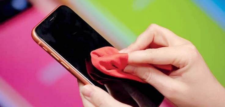 تمیز نگه داشتن صفحه نمایش موبایل
