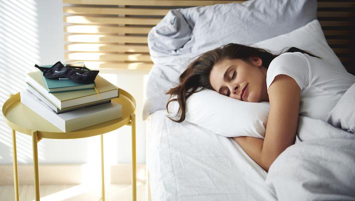 چند ساعت خواب لازم دارم؟ (آنچه علم می گوید)