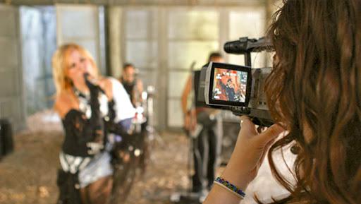 عکاسی و ساخت ویدیو