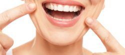 5 راه برای سالم نگه داشتن دندان های خود برای لبخند سالم