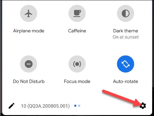 برای دسترسی به میانبر تنظیمات اندروید ، انگشت خود را به پایین بکشید