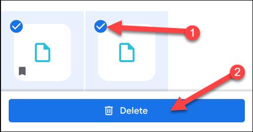 """پرونده هایی را که می خواهید حذف کنید انتخاب کنید و سپس روی """"حذف"""" ضربه بزنید."""