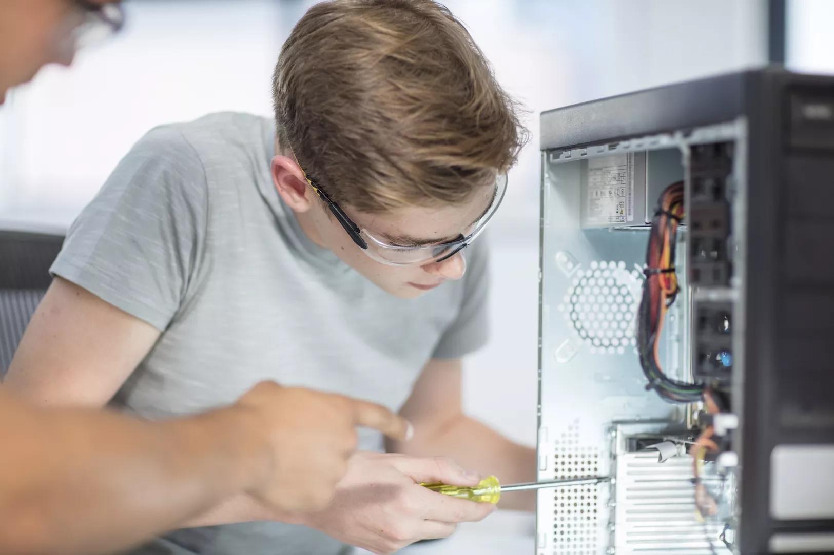 آموزش نصب کارت آداپتور PCI