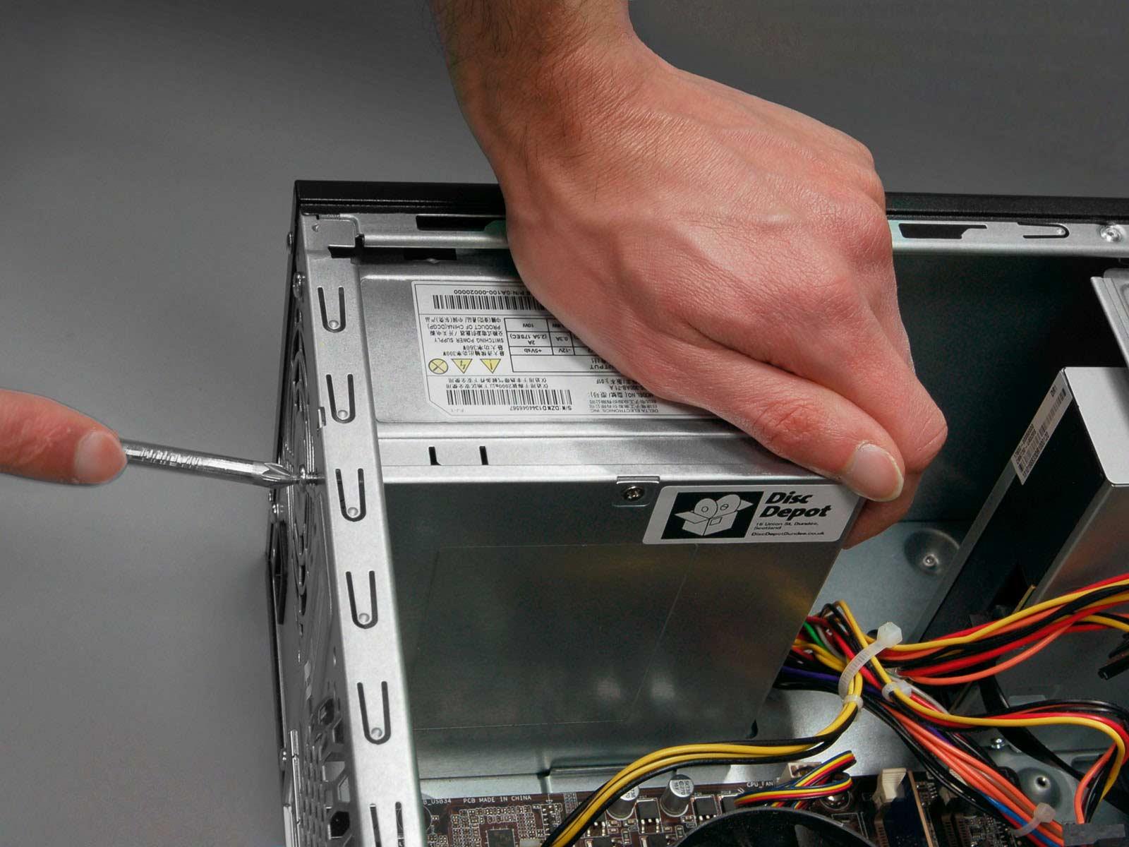 آموزش نصب منبع تغذیه (PSU) در کامپیوتر