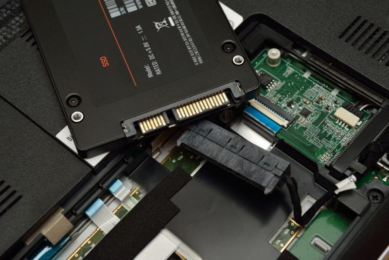 نصب هارد SSD در لپ تاپ